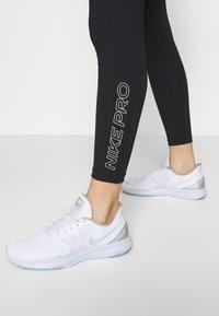 Nike Performance - TIGHT 7/8  - Leggings - black/white - 3