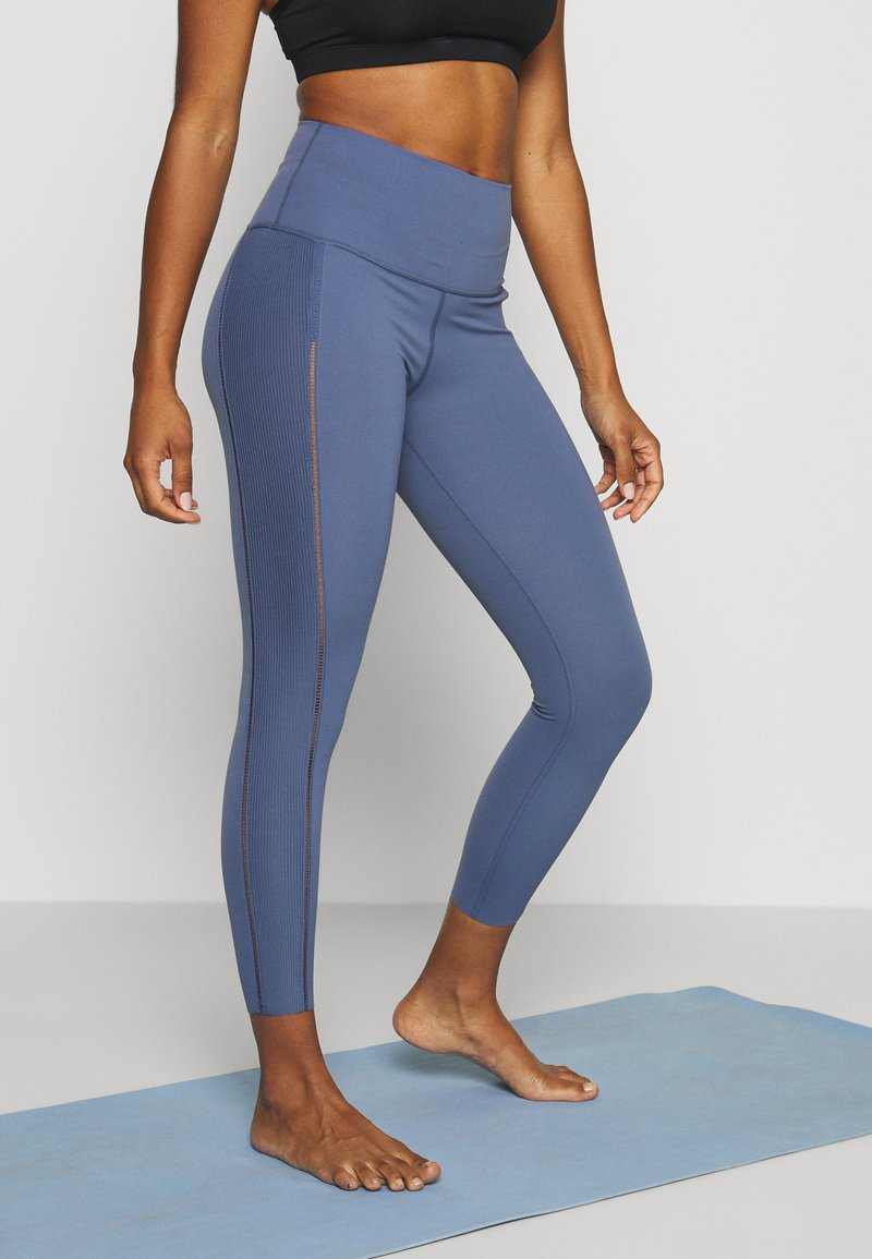 Nike Performance - YOGA LUXE 7/8 - Punčochy - diffused blue