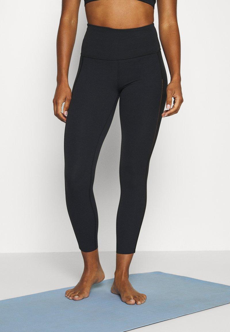 Nike Performance - YOGA LUXE 7/8 - Legging - black/smoke grey