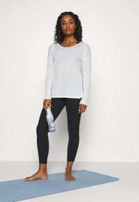 Nike Performance - YOGA LUXE 7/8 - Legging - black/smoke grey - 1