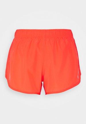 TEMPO SHORT HI-CUT - Pantalón corto de deporte - bright crimson/reflective silver