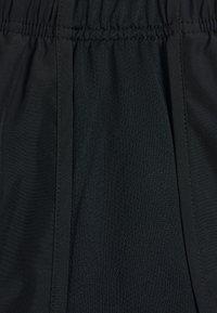 Nike Performance - TEMPO SHORT HI-CUT - Sports shorts - black/black/reflective silver - 2