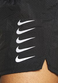 Nike Performance - RUN SHORT - Pantalón corto de deporte - black/white - 5