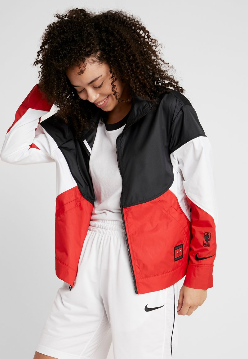 Nike Performance - NBA CHICAGO BULLS WOMENS JACKET - Sportovní bunda - black/university red/white