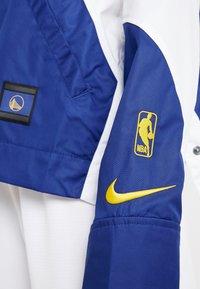 Nike Performance - NBA GOLDEN STATE WARRIORS WOMENS JACKET - Träningsjacka - amarillo/rush blue/white - 7