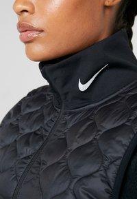 Nike Performance - Veste sans manches - black/reflective silver - 5