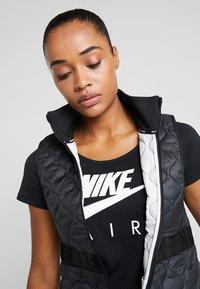 Nike Performance - Veste sans manches - black/reflective silver - 3