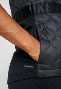 Nike Performance - Veste sans manches - black/reflective silver - 4