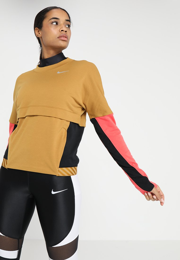 Nike Performance - ICON CLASH THERMA SPHERE CREW - Sweatshirt - wheat/black/ember glow/reflective silver