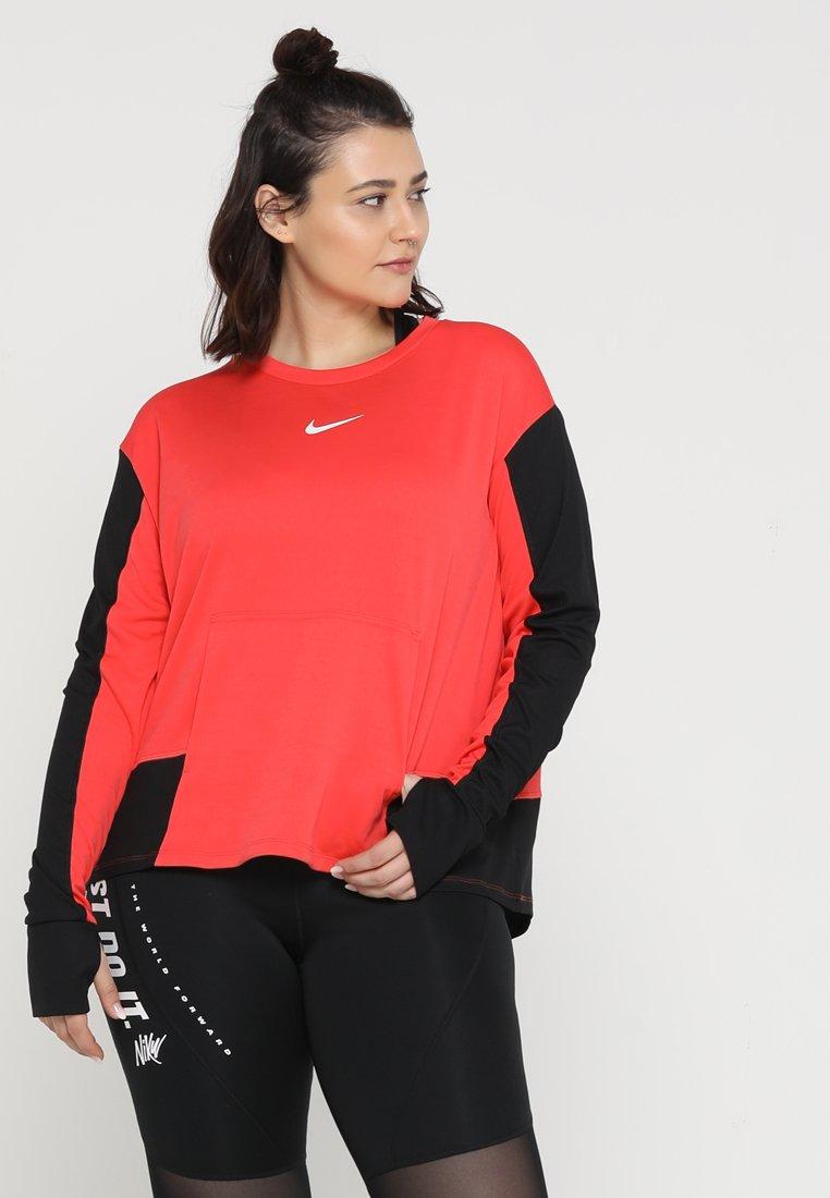 Nike Performance - PACER CREW PLUS - Sports shirt - ember glow/black/white