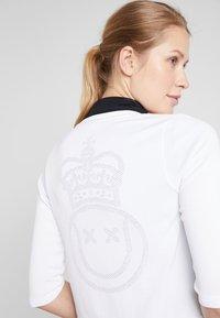 Nike Performance - Zip-up hoodie - white/black - 3
