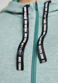 Nike Performance - DRY HOODIE  - Bluza z kapturem - bicoastal/heather/pistachio frost - 5