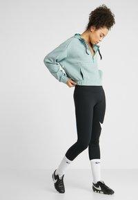 Nike Performance - DRY HOODIE  - Bluza z kapturem - bicoastal/heather/pistachio frost - 1