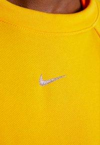 Nike Performance - Sweatshirt - university gold - 6