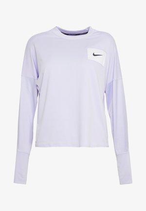 MIDLAYER CREW REBEL - Sports shirt - lavender mist/white/black