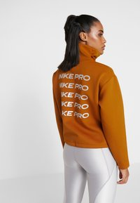 Nike Performance - CROPPED MOCK NECK - Collegepaita - burnt sienna/metallic silver - 2