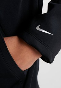 Nike Performance - HOODY - Collegetakki - black/metallic silver - 6