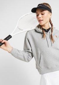 Nike Performance - HERITAGE HOODIE - Mikina skapucí - dark grey heather - 4