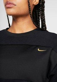 Nike Performance - ICON CREW - Fleecepaita - black/metallic gold - 5