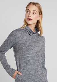 Nike Performance - YOGA FUNNEL COVERUP - Mikina - black/heather/anthracite - 3