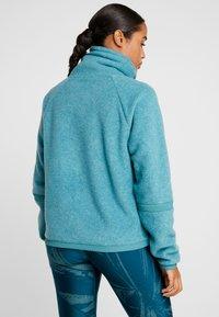 Nike Performance - COWL COZY - Bluza z polaru - mineral teal/black - 2