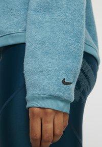 Nike Performance - COWL COZY - Bluza z polaru - mineral teal/black - 5