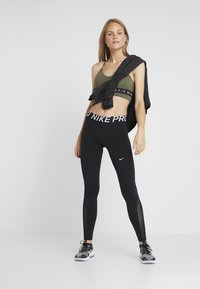 Nike Performance - COWL COZY - Bluza z polaru - black heather - 1