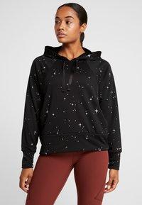 Nike Performance - GET FIT  - Hoodie - black/thunder grey - 0