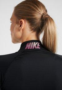 Nike Performance - Koszulka sportowa - black/thunder grey - 3