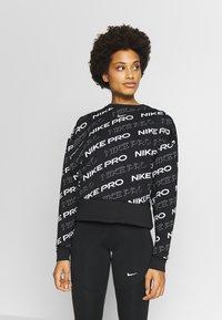 Nike Performance - CREW  - Bluza - black/metallic silver - 0