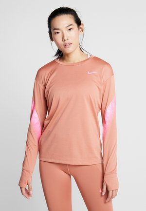 MIDLAYER RUNWAY - Sports shirt - terra blush/digital pink