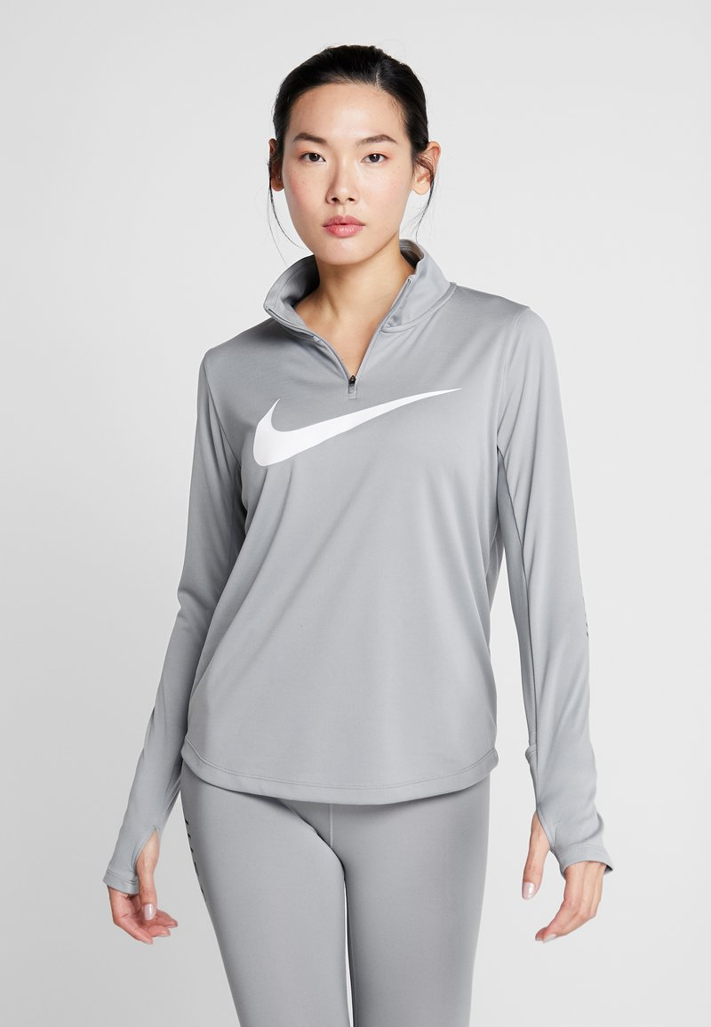 Nike Performance - MIDLAYER RUN - Camiseta de deporte - particle grey/white
