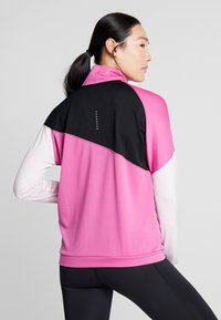 Nike Performance - MIDLAYER - Sports shirt - cosmic fuchsia/black/barely rose/silver - 2