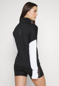 Nike Performance - MIDLAYER - Sports shirt - black/white/reflective silver - 2
