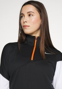 Nike Performance - MIDLAYER - Camiseta de deporte - black/white/reflective silver - 3