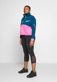 Nike Performance - DRY IN PLUS - Bluza - valerian blue/cosmic fuchsia/white - 1