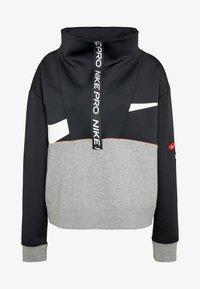 Nike Performance - DRY IN PLUS - Sudadera - black/carbon heather/white - 4