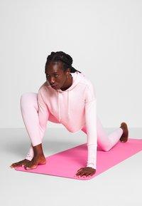 Nike Performance - YOGA LUXE CROP HOODIE - Hoodie - barely rose/plum chalk - 1