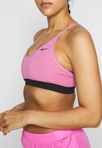 Nike Performance - INDY BRA - Sport BH - magic flamingo/black - 4