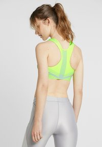 Nike Performance - FENOM BRA - Sports-BH - volt/pure platinum - 2