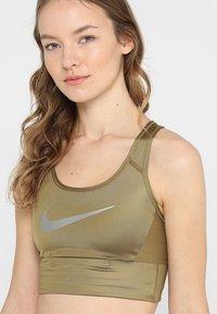Nike Performance - BRA - Sports-BH - khaki - 5