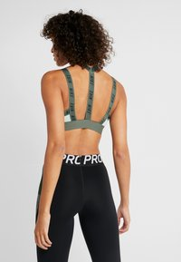 Nike Performance - INDY LOGO BRA - Sport BH - pistachio frost/juniper fog/black - 2