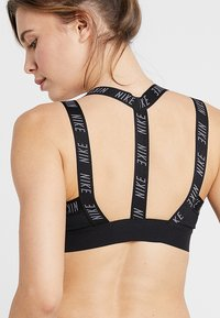 Nike Performance - INDY LOGO BRA - Sport-bh - black/black/cool grey - 5