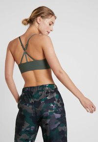 Nike Performance - BREATHE BRA LIGHT - Sports-BH - echo pink/juniper fog/black - 2