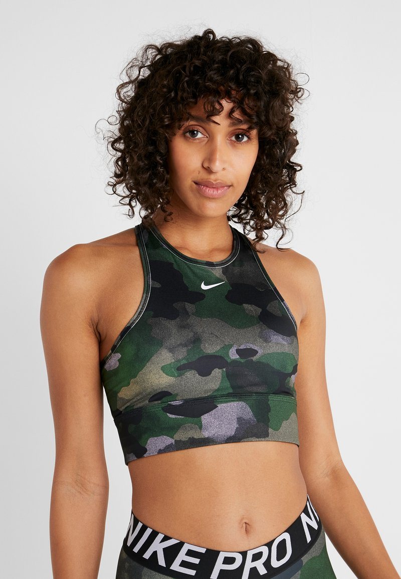 Nike Performance - EVERYTHING CAMO BRA - Biustonosz sportowy - club gold/white
