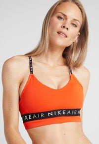 Nike Performance - INDY AIR BRA - Reggiseno sportivo - team orange/black - 4