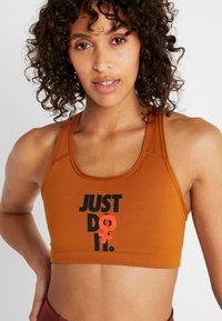 Nike Performance - Reggiseno sportivo - burnt sienna/black - 4