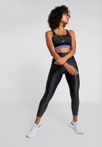 Nike Performance - POCKET BRA - Reggiseno sportivo - black/hyper crimson - 1