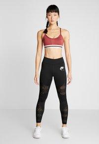 Nike Performance - INDY BRA - Sport BH - cedar/bleached coral/black - 1