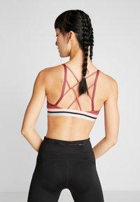 Nike Performance - INDY BRA - Sport BH - cedar/bleached coral/black - 2